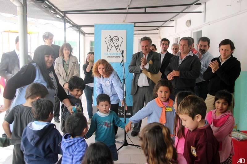 Se inauguró la renovación de juegos en un Jardín de infantes de Barrufaldi