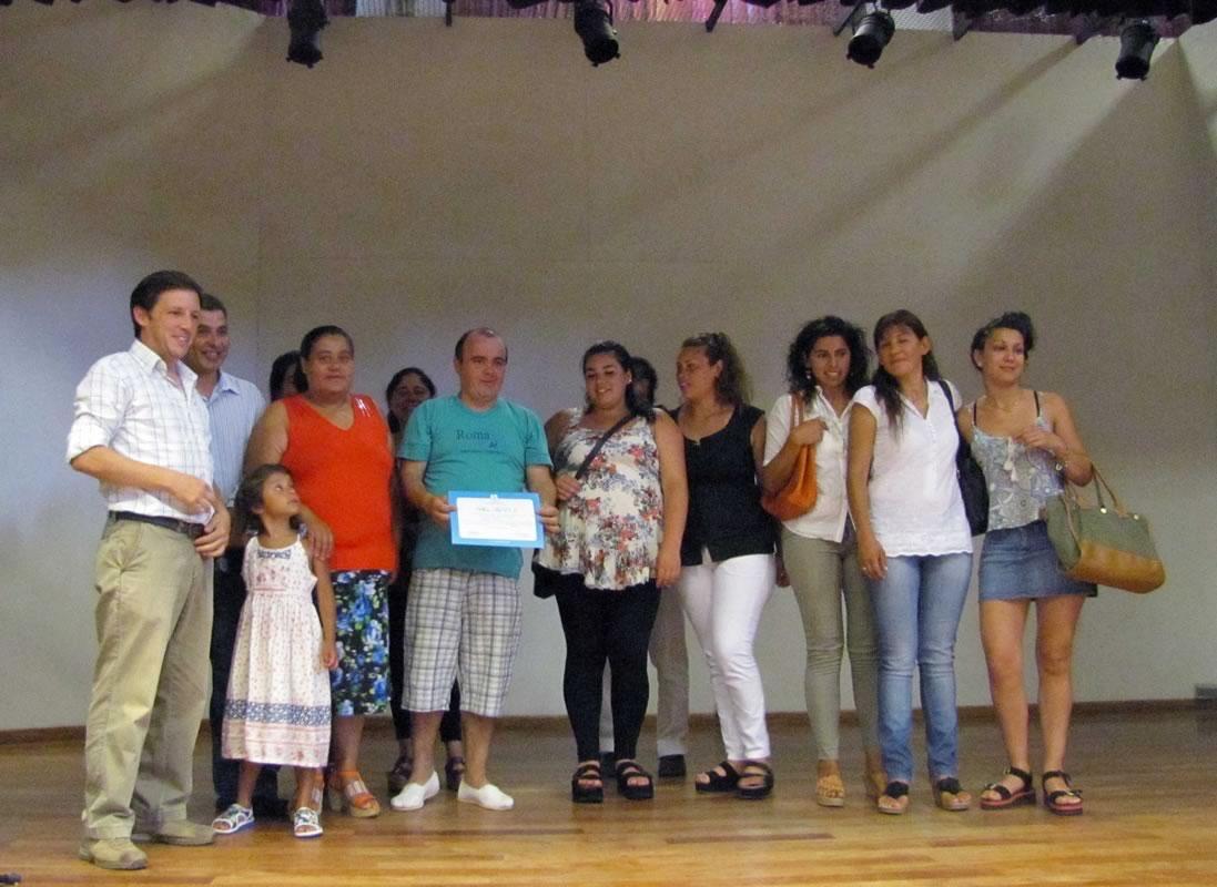 Los alumnos recibieron sus diplomas de egresos