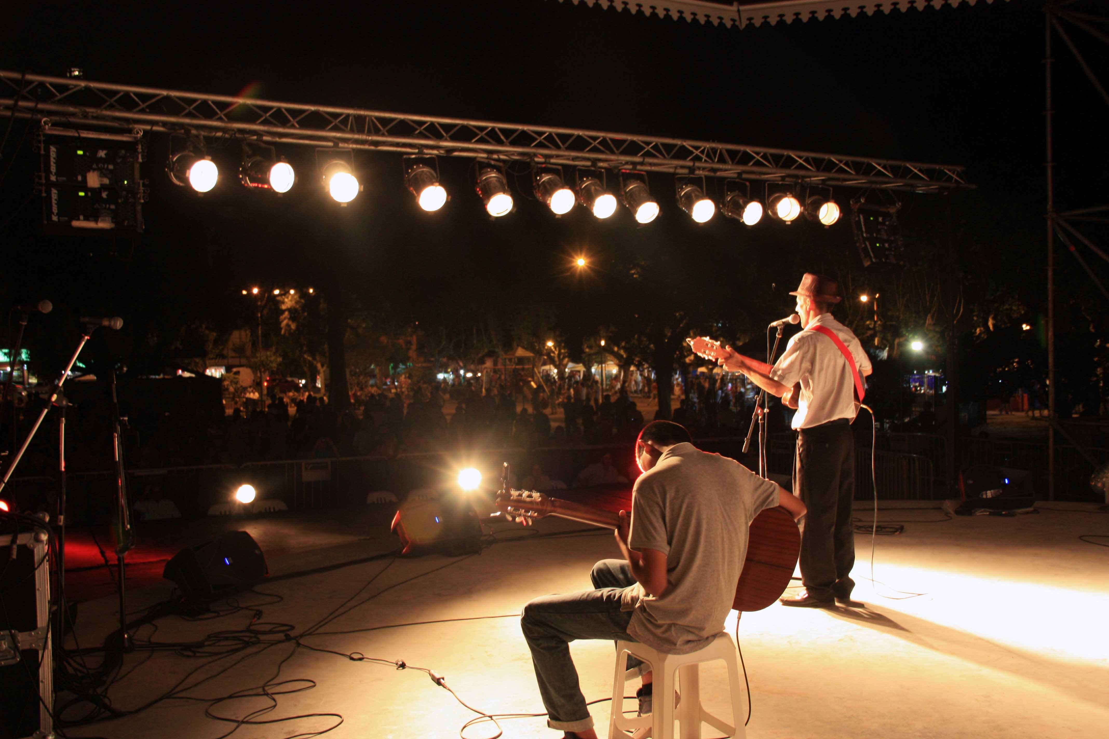 En la nueva Plaza de las Carretas se realizó la V Edición del Festival Folclórico