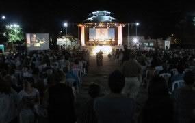 En San Miguel miles de vecinos disfrutaron de la Misa Criolla interpretada por Opus Cuatro