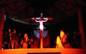 En San Miguel se presentó el Vía Crucis Criollo