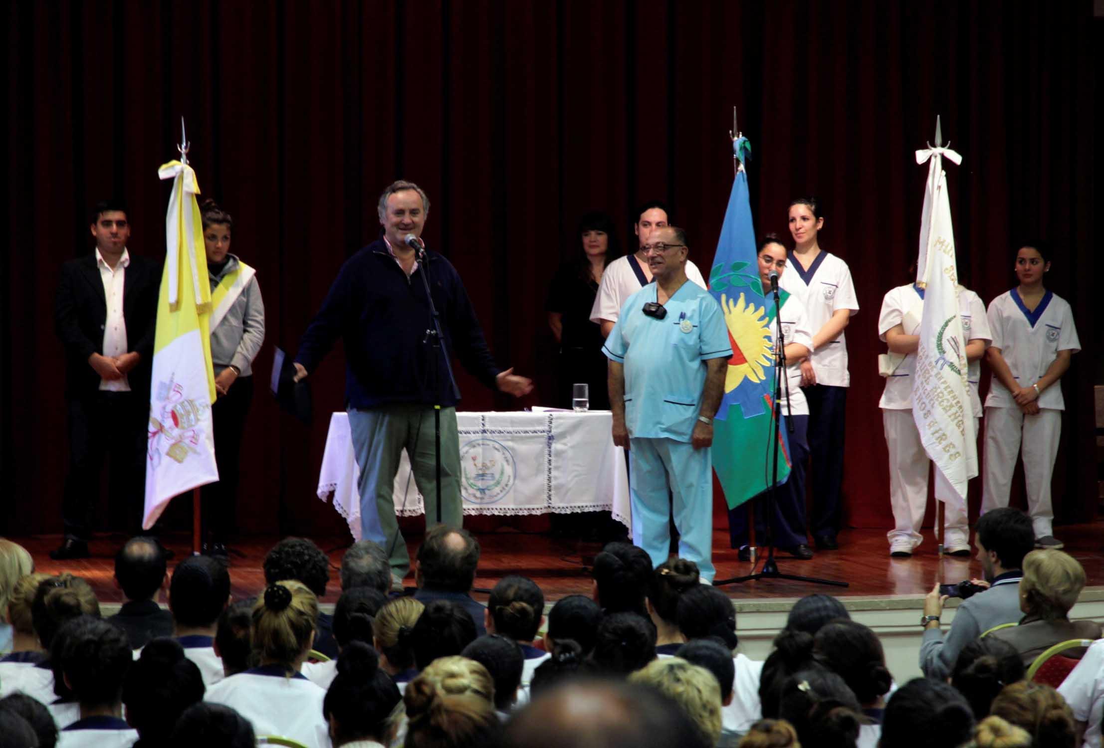 Joaquín de la Torre inauguró nuevas instalaciones en la Escuela de Enfermería de San Miguel y dio inicio al ciclo lectivo 2014