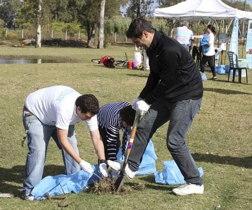 Se realizó una limpieza integral del predio que rodea el Río Reconquista para continuar con el Proyecto de Reserva Natural Urbana