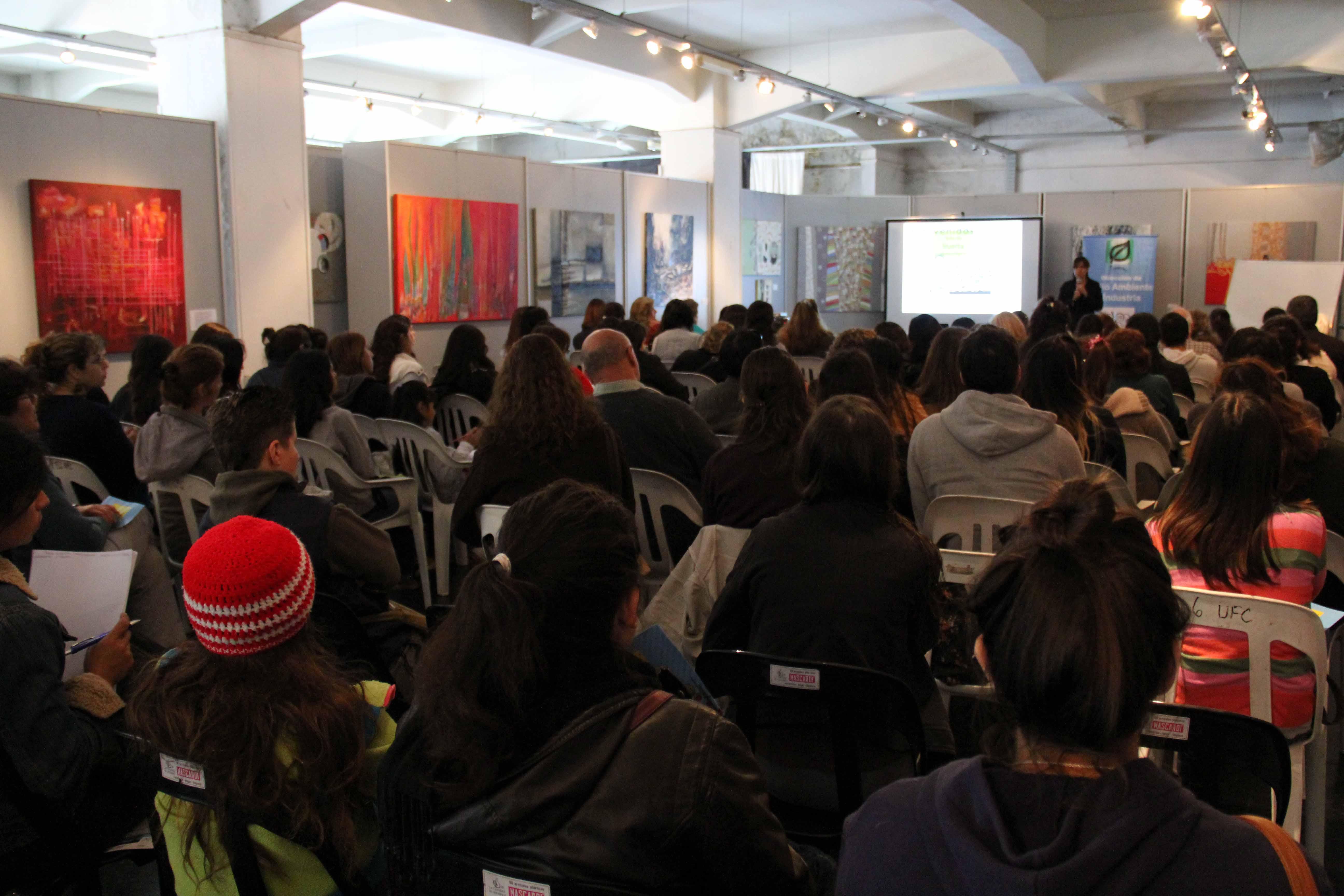 Con la participación de más de 120 vecinos, el sábado 10 de mayo se realizó el primer encuentro del segundo taller de Huerta Agroecológica abierto a la Comunidad