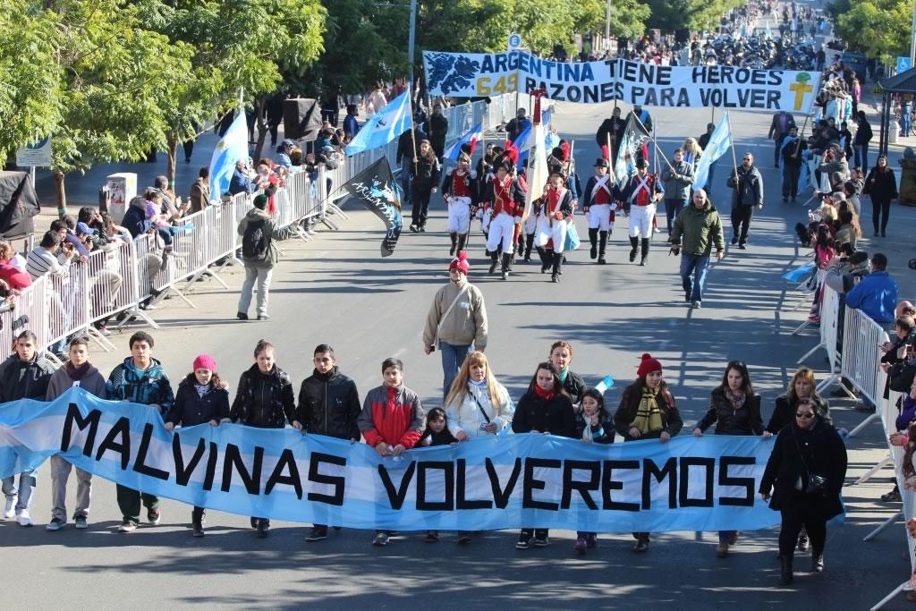 Se realizó en San Miguel un desfile en homenaje a los Veteranos ...