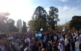 Cerca de 12mil personas disfrutaron del  partido en la Plaza de las Carretas