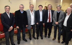 Joaquín de la Torre con Cariglino y otros dirigentes del FR
