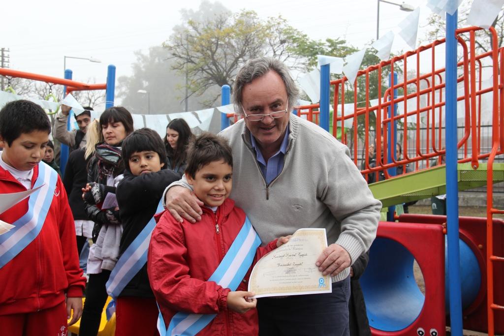 Alumnos de escuelas especiales de San Miguel prometieron lealtad a la bandera