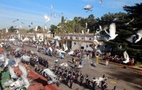 La liberación de palomas simbolizó la soberanía de la patria
