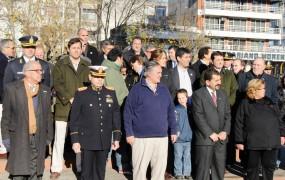 Acompañaron miembros del gabinete municipal y el comandante General Pera