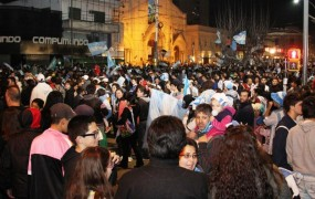 Luego del partido, la Plaza continuó con la fiesta