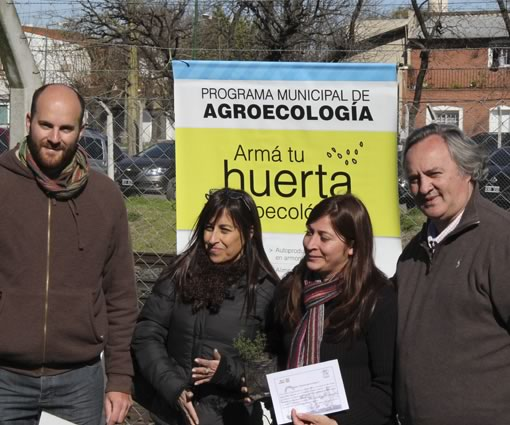 Joaquín de la Torre entregó diplomas a los participantes del taller de huerta agroecológica en San Miguel