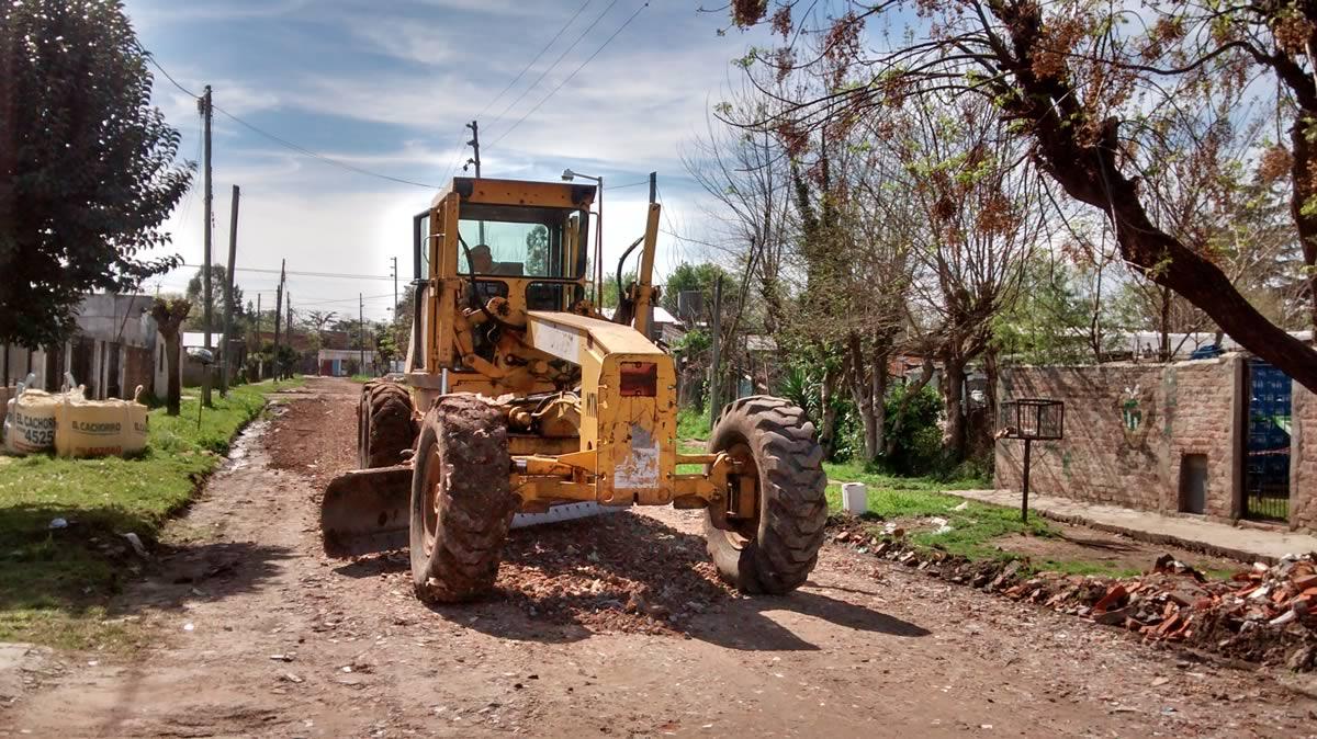 Arreglo de calle con escombros