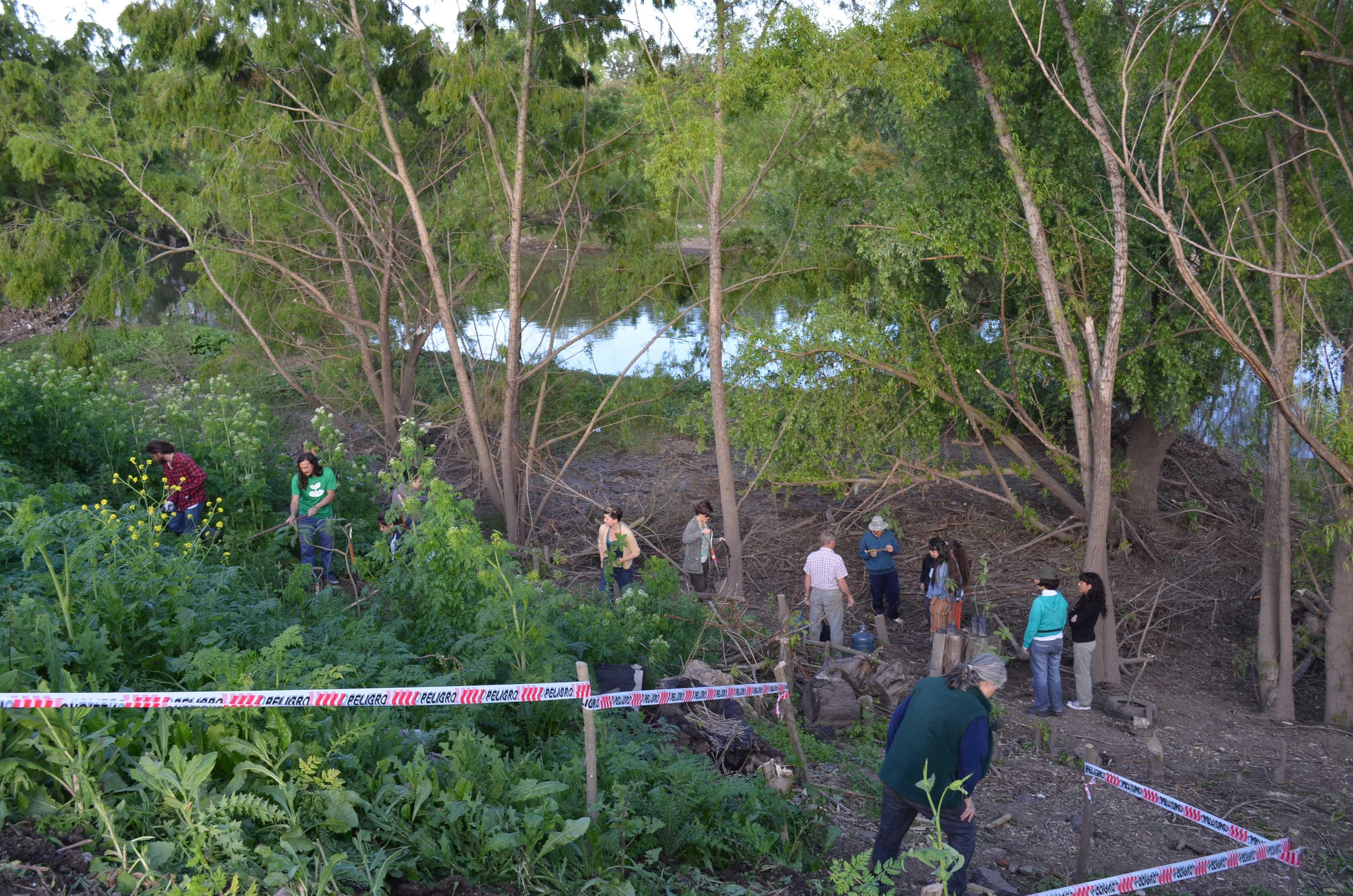 5-La vera del Rio reconquista totalmente depejada de basura luega de la limpieza