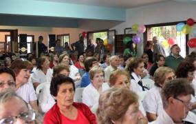 Cerca de 200 abuelos participaron del cierre anual de actividades