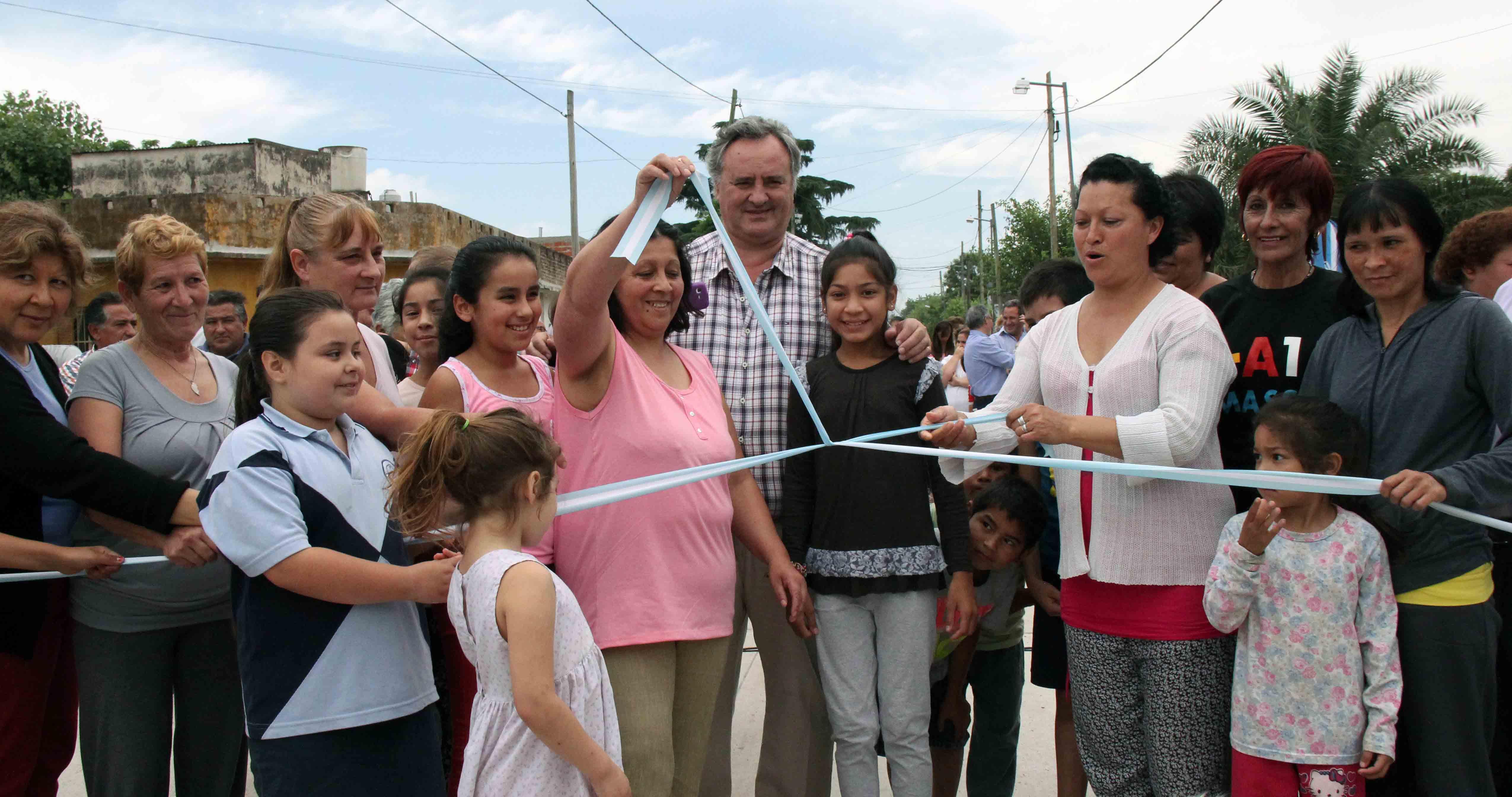 Más obras de pavimento mejoran conectividad en Ciudad Santa María