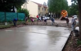 Continúan las obras de pavimento en la calle Muñoz entre Pardo y Haedo