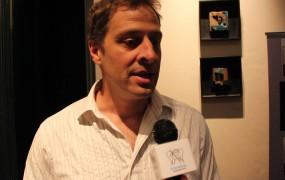 el prestigioso escritor Patricio Sturlese presentó su experiencia literaria en le Noche de Libros