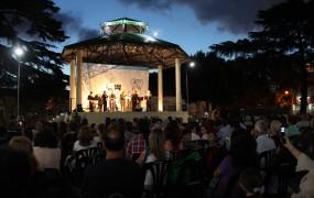 Emotivo concierto de Navidad en la Plaza de las Carretas