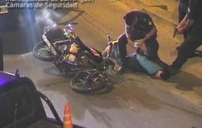 La policía municipal logro detener a un motochorros luego de una impactante persecución