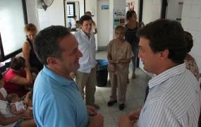 Los funcionarios recorrieron el Centro de salud Favaloro en barrio Trujui