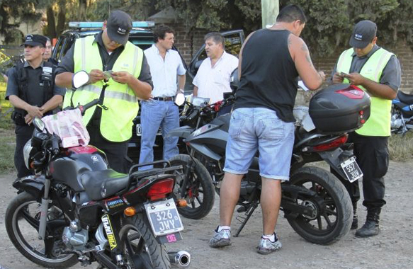 Continúan los operativos de control de motos