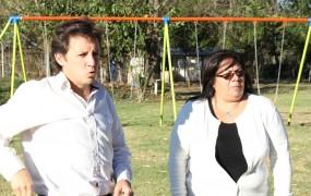 Jaime Méndez y Karina Urquiza recorrieron la nueva Plaza