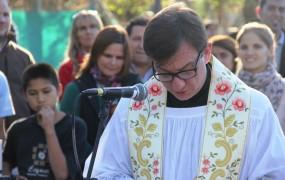 La inauguración recibió la bendición y entronización de la virgen de la Inmaculada Concepción, que se dispuso en la rotonda de Santa Fe y Flaubert