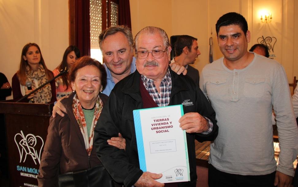 San Miguel: entrega de escrituras definitivas y afectaciones a bienes de Familia