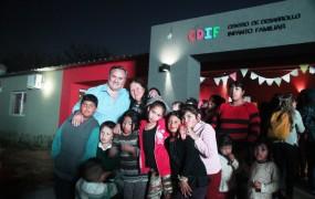 Joaquín de la Torre inauguró el CDIF junto a las familias de la zona (2)