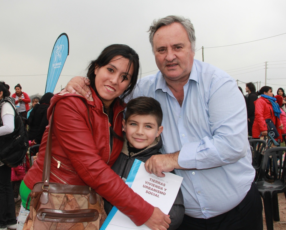 Día histórico en San Miguel: Se entregaron parcelas en el marco de interés social y se inauguró un nuevo barrio