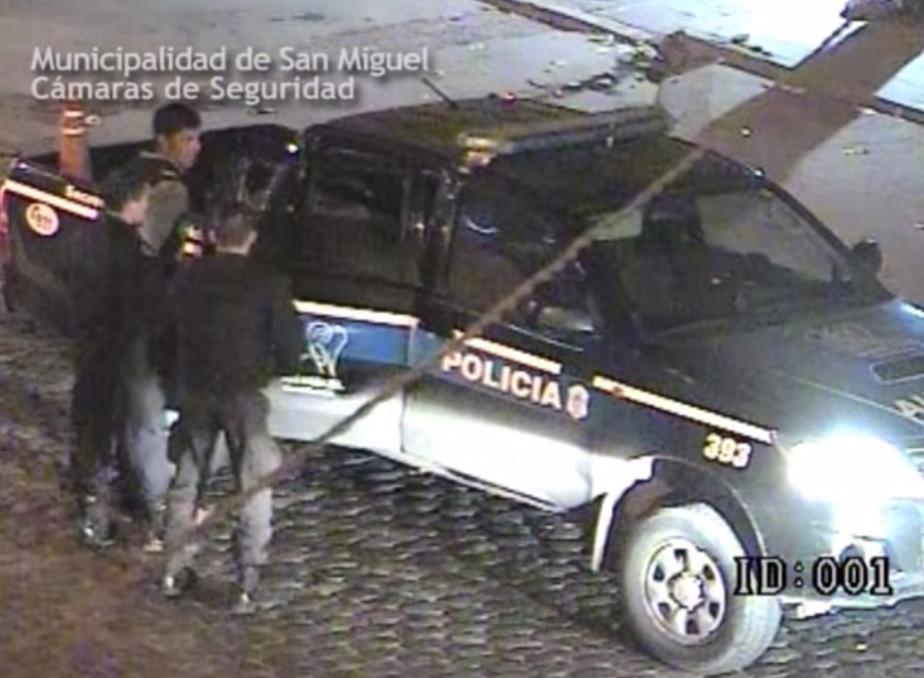 San Miguel: Quisieron robarle mientras esperaba el colectivo, lo salvaron las cámaras de seguridad