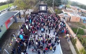 Una vista aérea de lo que fue la inauguración del centro de desarrollo infanto familiar