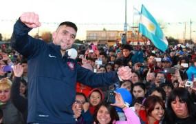 Cesar René Cuenca es campeón mundial superligero en Boxeo