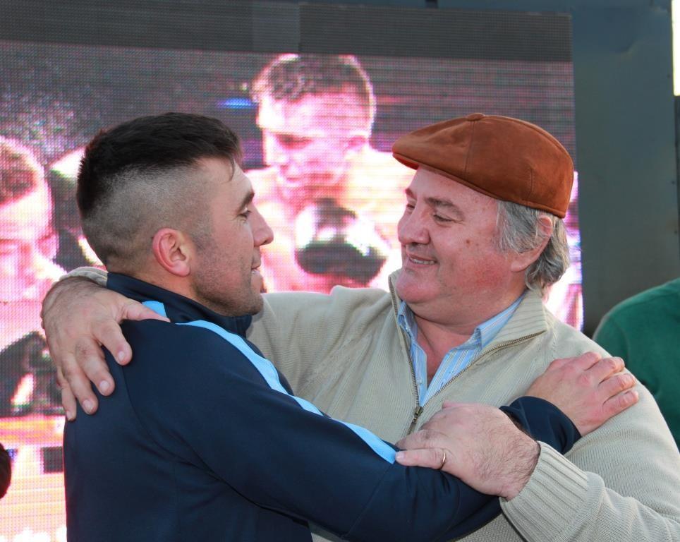 San Miguel recibió a su nuevo héroe del deporte, César Cuenca, Campeón del Mundo en boxeo