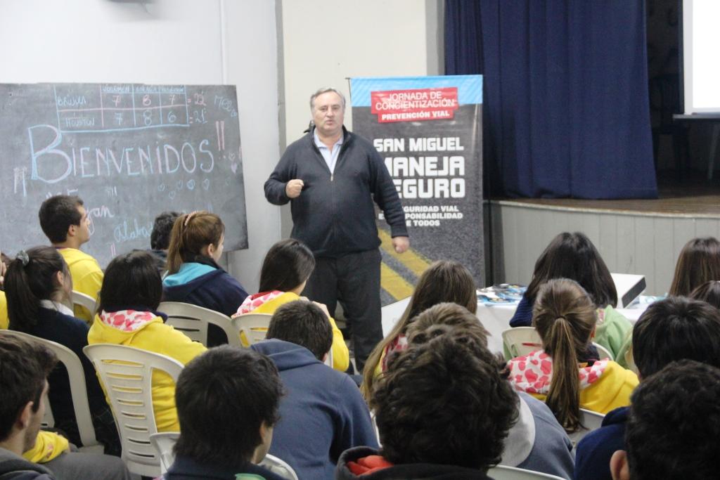 Joaquín de la Torre encabezó una jornada de educación vial en un Colegio de San Miguel