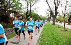 El corredor aeróbico de la calle Francia en Bella Vista fue uno de los tramos recorridos por los participantes