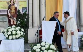 El intendente saludó al párroco Francisco Ochiuzzi
