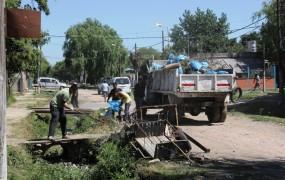 Operativo de limpieza en Barrio Mitre