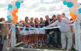 Gran inauguración: En un emotivo acto, se presentó la nueva cancha de hockey en el Club Vicentinos