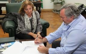 El Municipio firmó un convenio con la Provincia para trabajar en conjunto sobre adicciones, primera infancia y sistema pre hospitalario