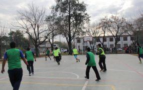 Este playón beneficia a más de 600 alumnos de las dos escuelas de la zona