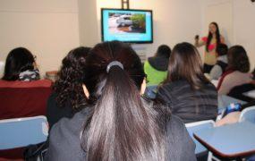 Los principiantes reciben un curso capacitación por parte del personalo de licencias