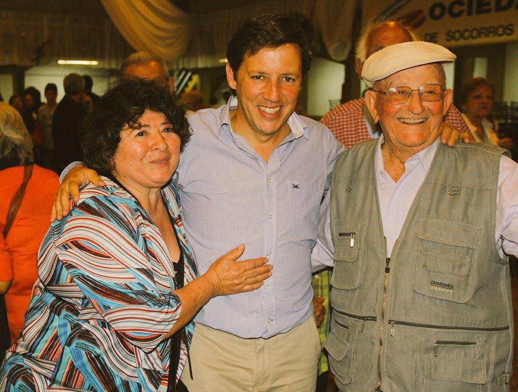 Jaime Méndez entregó los premios a los adultos mayores de las Olimpíadas