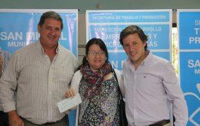 Jaime Méndez entregó subsidios y microcréditos a emprendedores de San Miguel