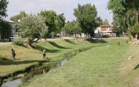 Un sector del arroyo Los Berros, en barrio Obligado