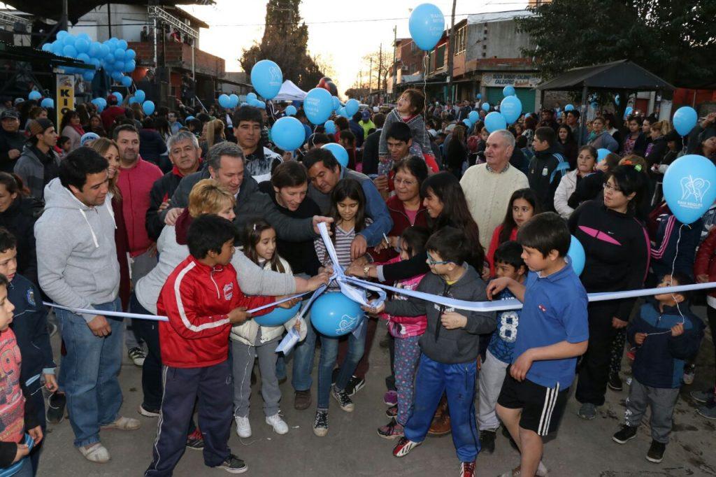 Jaime Méndez inauguró 12 cuadras de pavimento