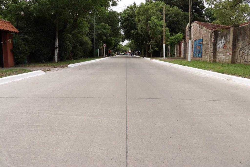 Nuevos pavimentos en El Tato
