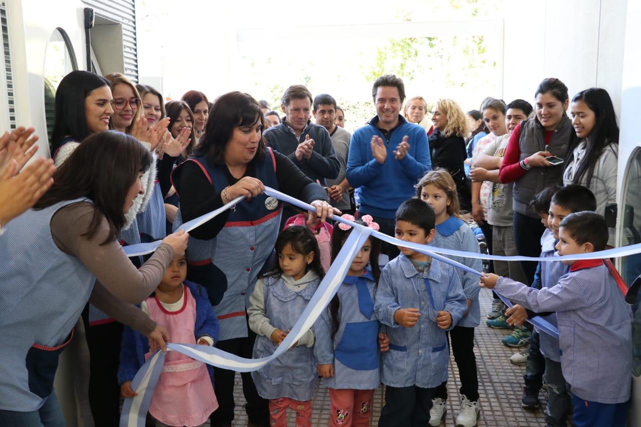 Jaime Méndez y Gabriel Sánchez Zinny inauguraron un jardín de infantes