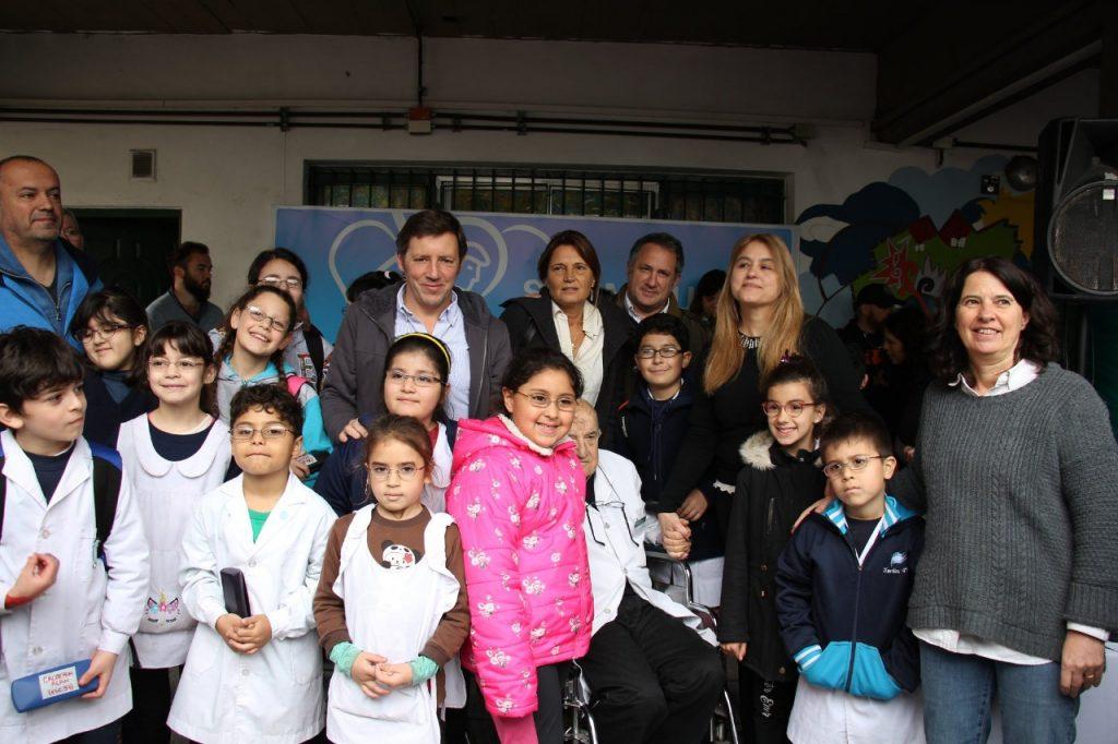 """Programa """"Ver para Aprender"""" en escuelas de San Miguel"""